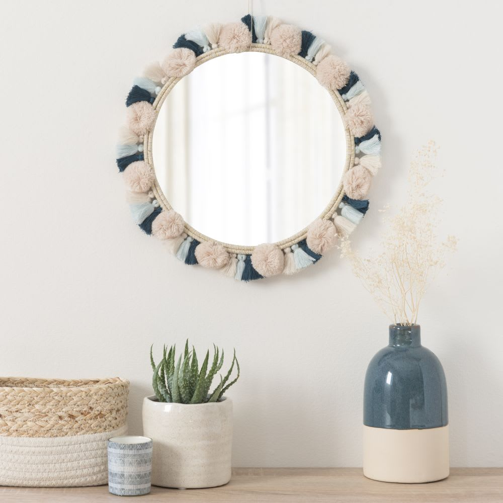 miroir rond pompons en coton blanc et bleu d31 anapa maisons du monde. Black Bedroom Furniture Sets. Home Design Ideas