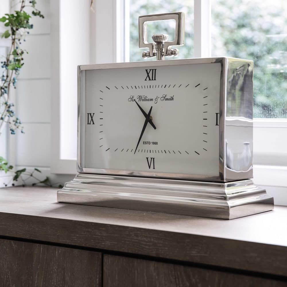 Orologio da tavolo in metallo effetto cromato 47 cm for Orologi da parete maison du monde