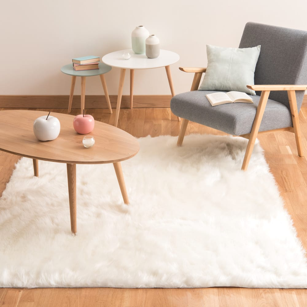 Faux Fur Rug In White 140 X 200 Oumka