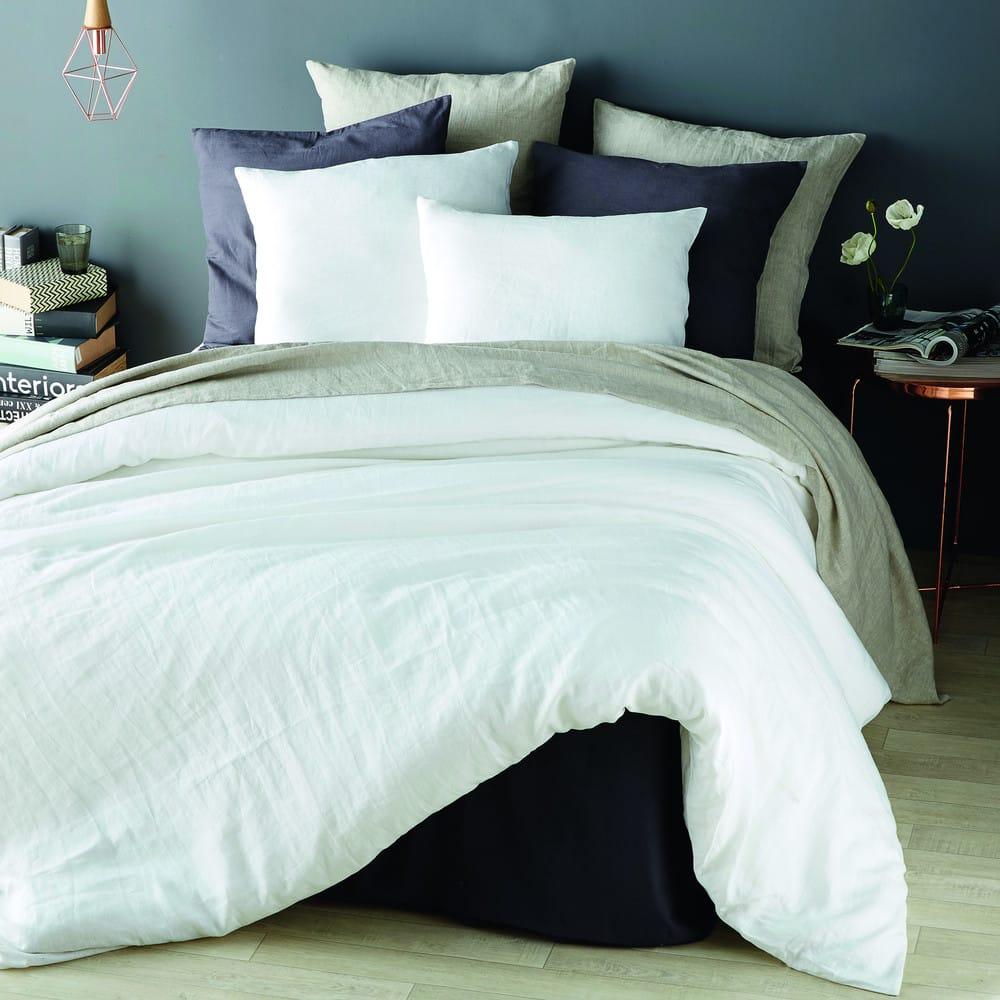 parure de lit en lin blanc 220x240 maisons du monde. Black Bedroom Furniture Sets. Home Design Ideas