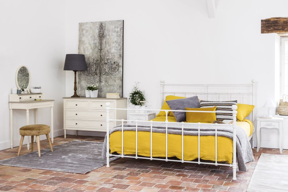 parure de lit en lin lav jaune moutarde 220x240 maisons. Black Bedroom Furniture Sets. Home Design Ideas