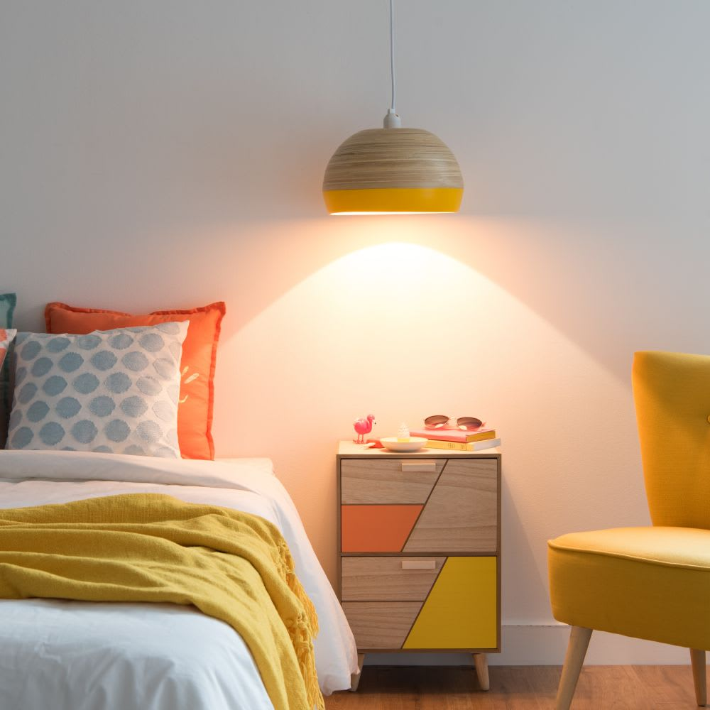 suspension en bambou coloris jaune et naturel sunny. Black Bedroom Furniture Sets. Home Design Ideas