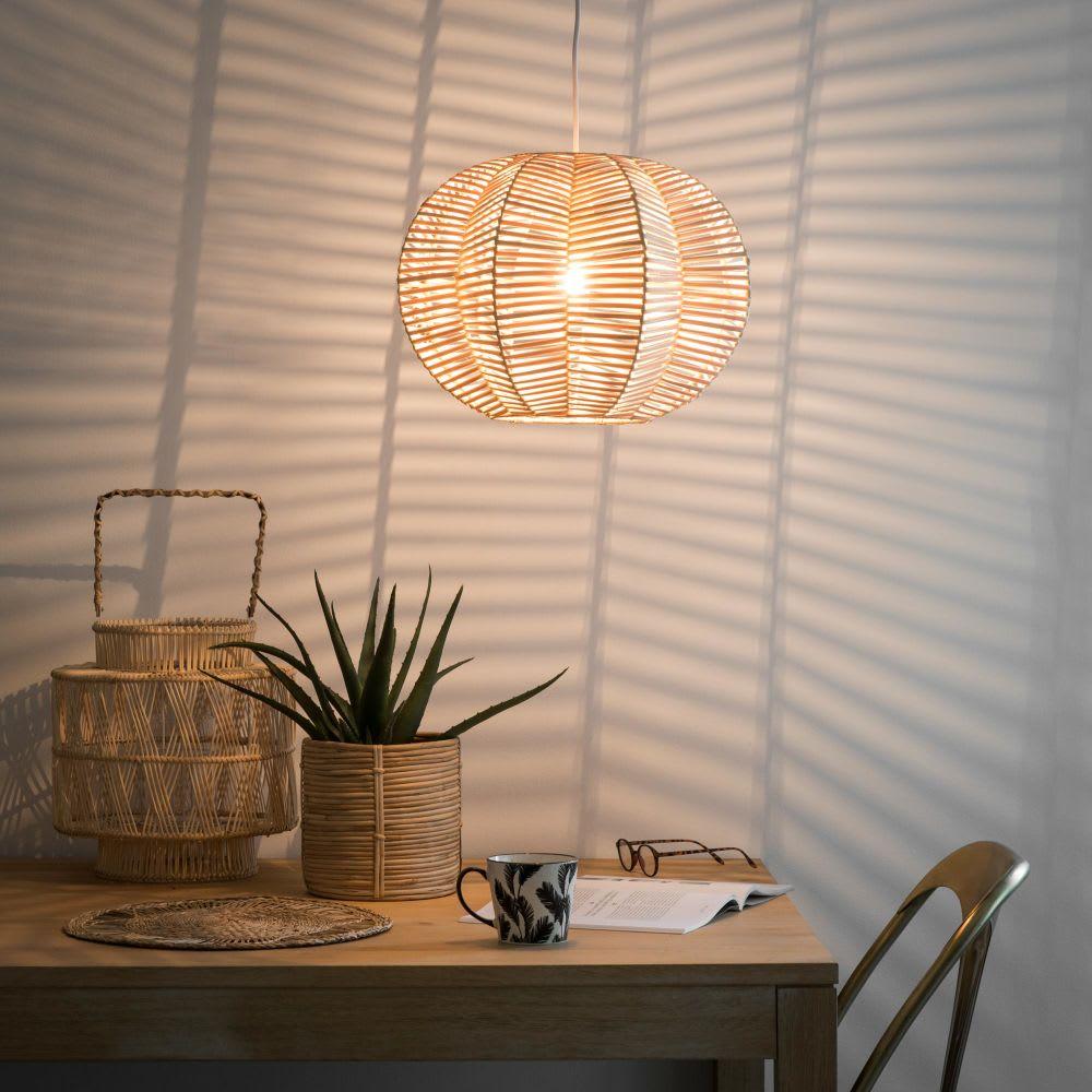 suspension en rotin ajour lotucea maisons du monde. Black Bedroom Furniture Sets. Home Design Ideas