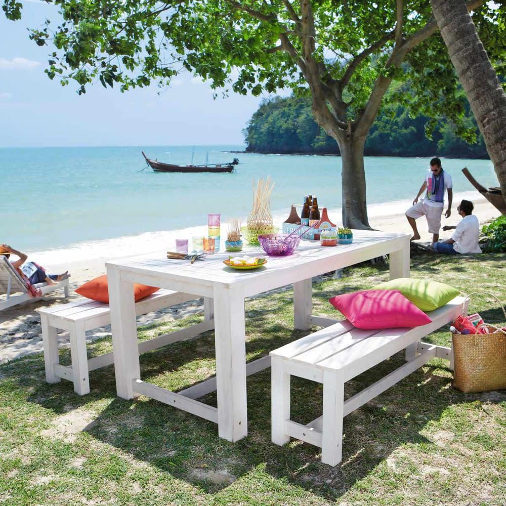 Table + 2 bancs de jardin en bois blanc L 180 cm Brehat | Maisons du ...
