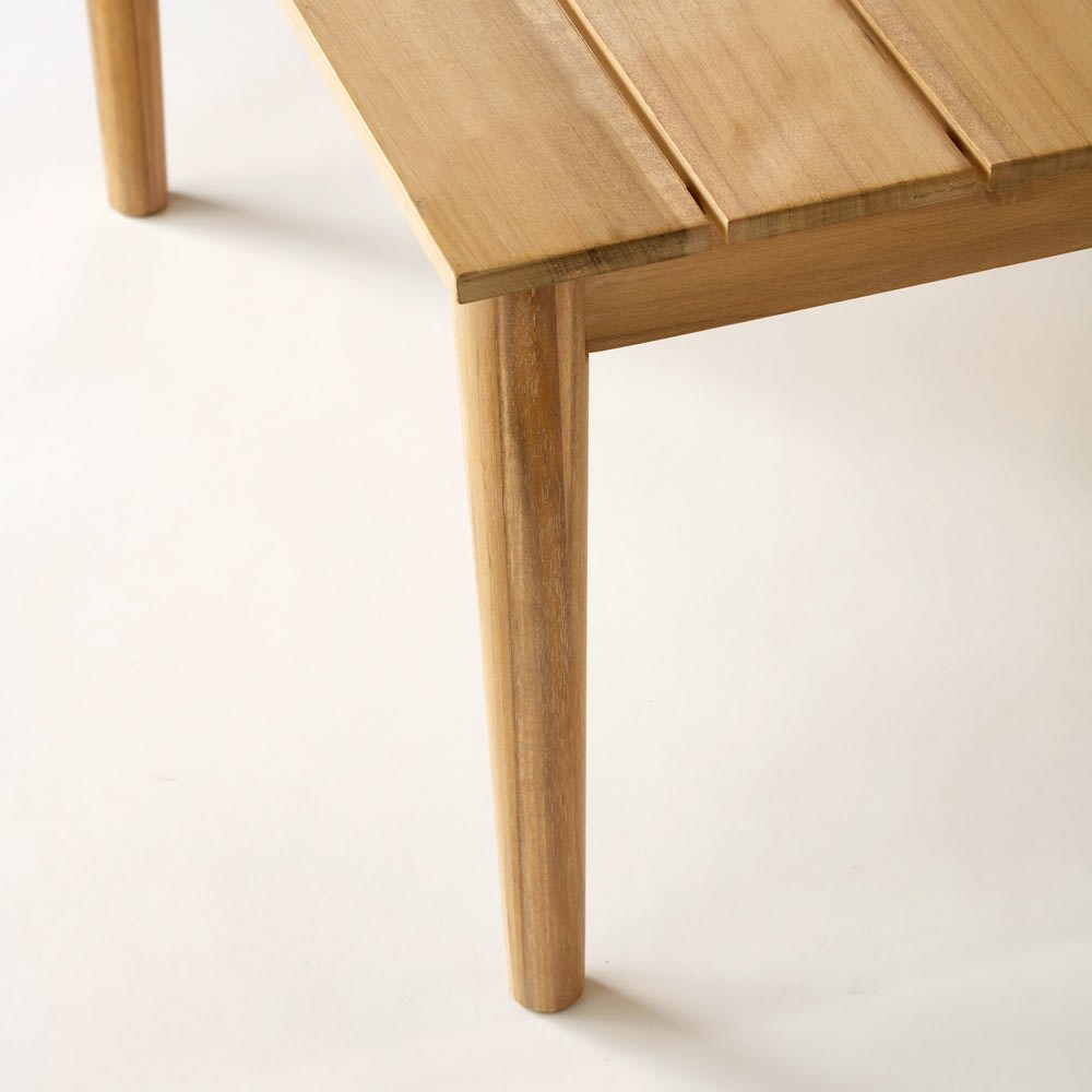 Table basse de jardin en acacia massif maisons du monde for Table basse acacia massif