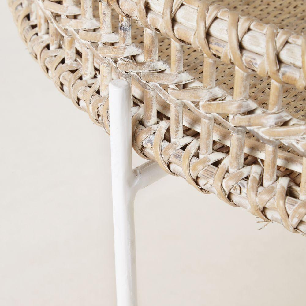 table basse ronde en rotin tress et m tal panglao. Black Bedroom Furniture Sets. Home Design Ideas