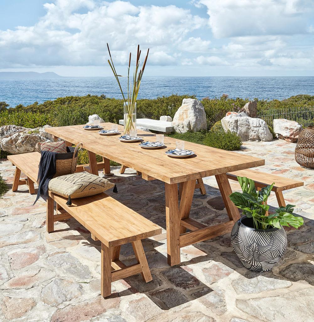 Table de jardin en teck recyclé 12/14 personnes L300 Tecka   Maisons ...