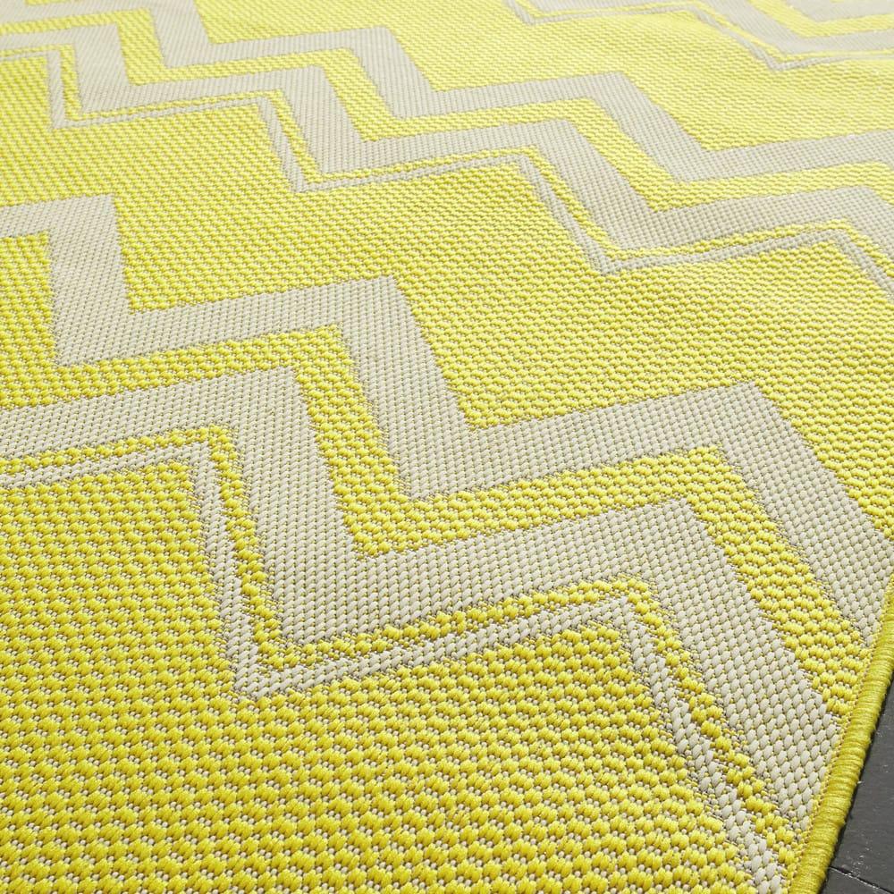 tapis d 39 ext rieur en polypropyl ne jaune 160x230 lataia maisons du monde. Black Bedroom Furniture Sets. Home Design Ideas