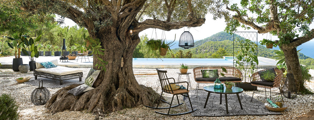 tapis d 39 ext rieur motifs graphiques noirs et blancs. Black Bedroom Furniture Sets. Home Design Ideas