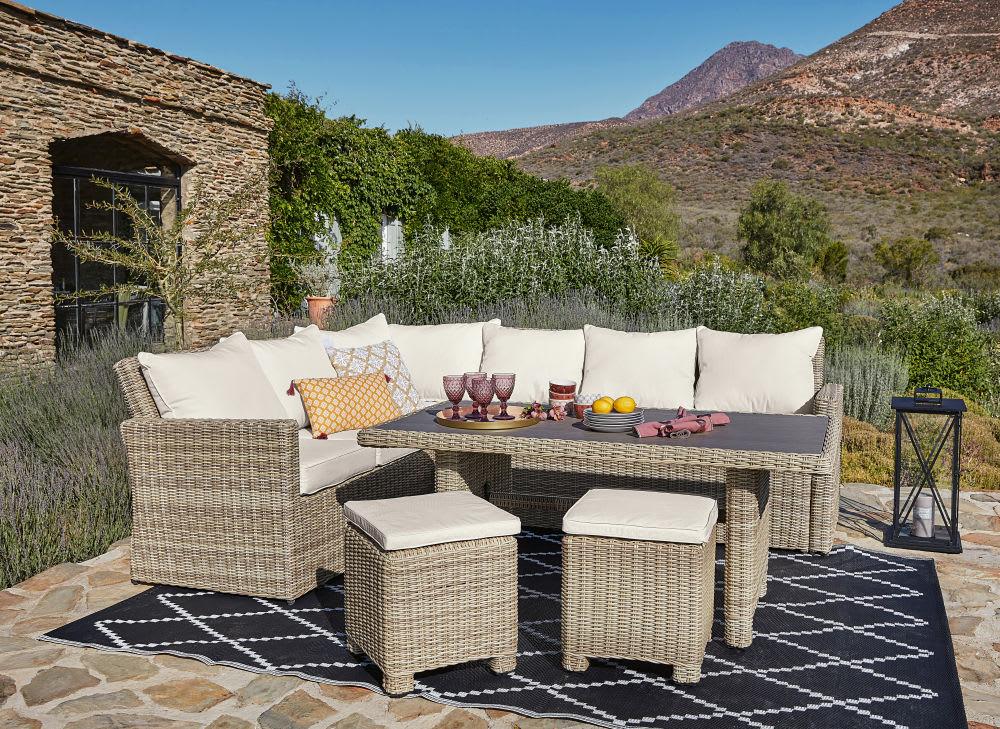 tapis de jardin motifs g om triques noirs et blancs. Black Bedroom Furniture Sets. Home Design Ideas