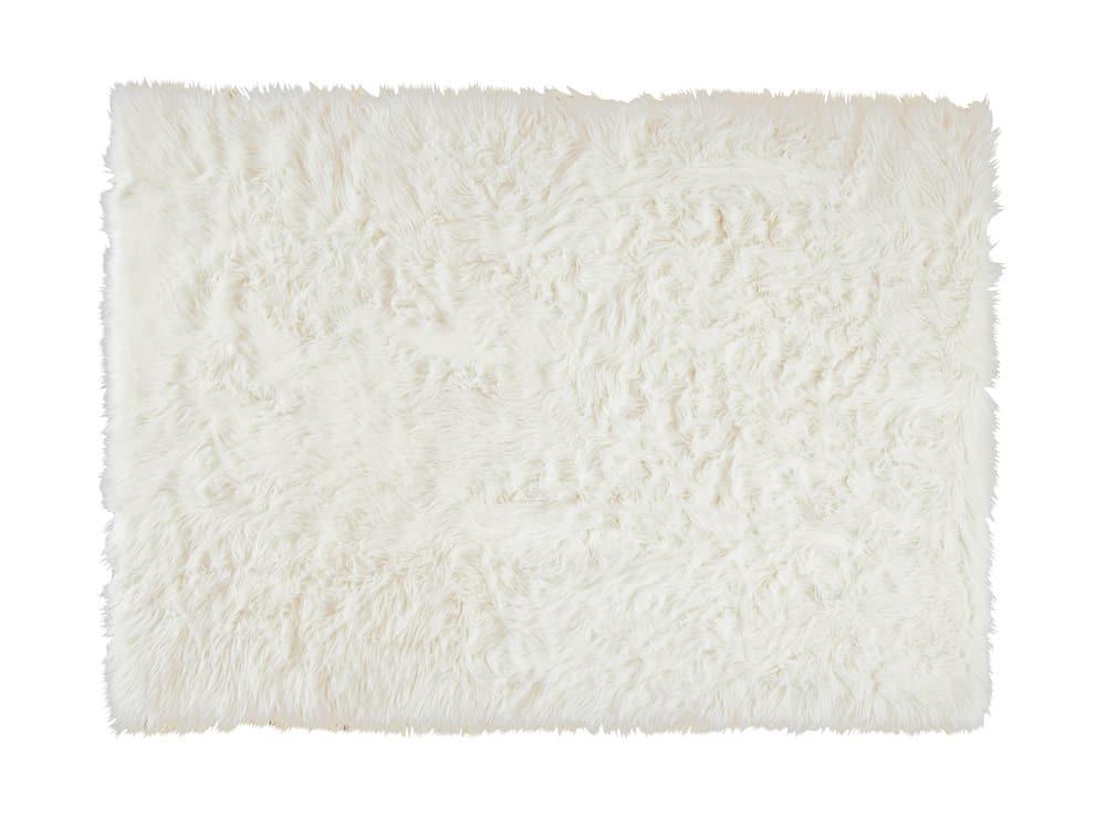 tapis en fausse fourrure blanche 140 x 200 oumka maisons du monde. Black Bedroom Furniture Sets. Home Design Ideas