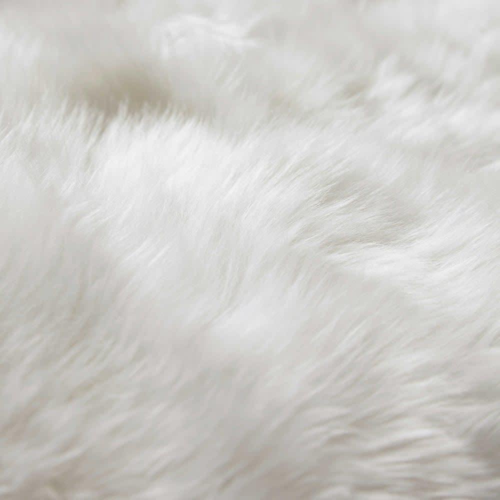 tapis en peau de mouton ivoire 110 x 180 cm maisons du monde. Black Bedroom Furniture Sets. Home Design Ideas