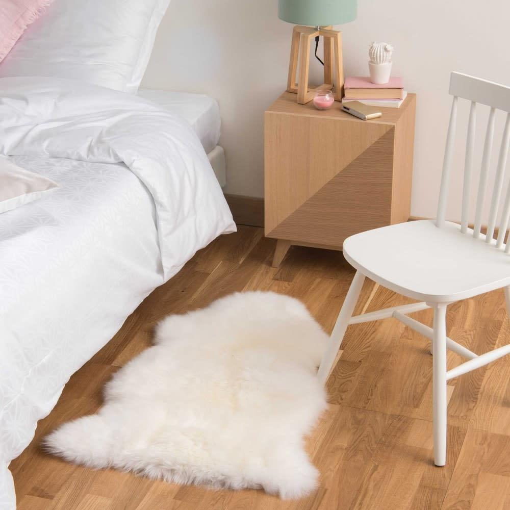 tapis en peau de mouton ivoire 55 x 90 cm maisons du monde. Black Bedroom Furniture Sets. Home Design Ideas