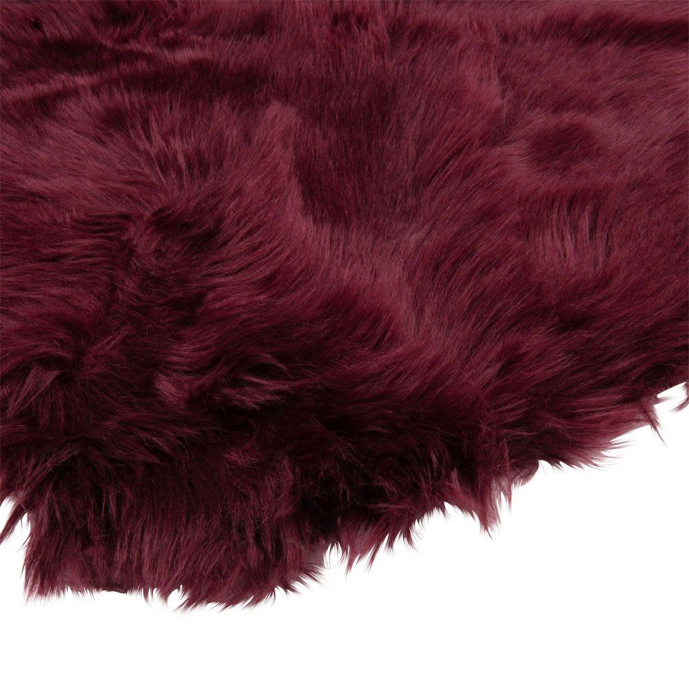 tapis imitation fourrure aubergine 60x90 maisons du monde. Black Bedroom Furniture Sets. Home Design Ideas