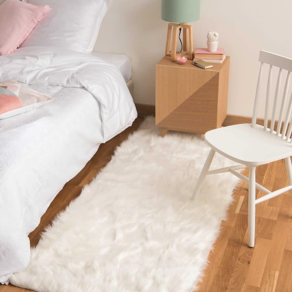 tapis imitation fourrure blanche 80x200 oumka maisons du. Black Bedroom Furniture Sets. Home Design Ideas