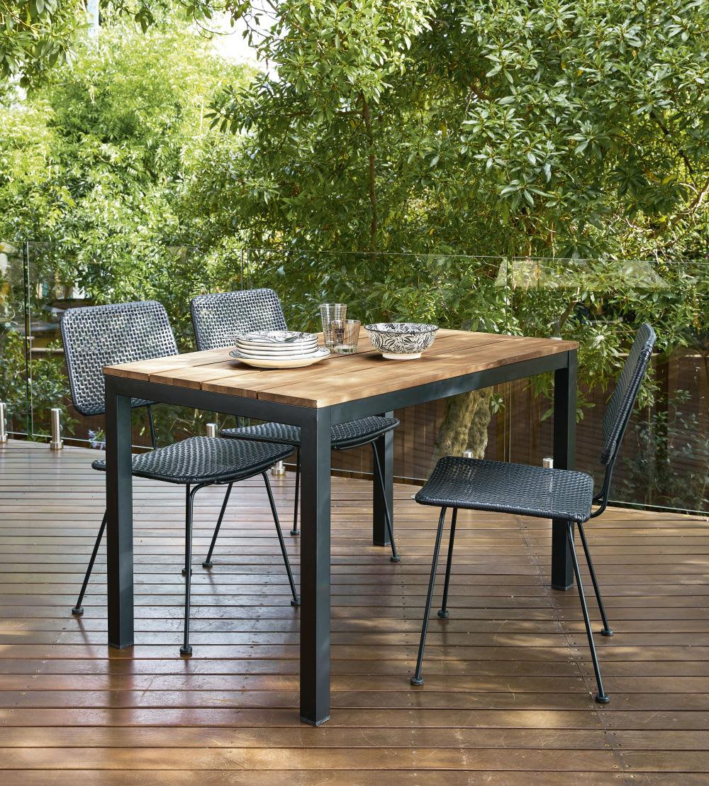 Tavoli Da Giardino In Metallo.Tavolo Da Giardino In Legno Massello Di Acacia E Metallo Nero 4 6