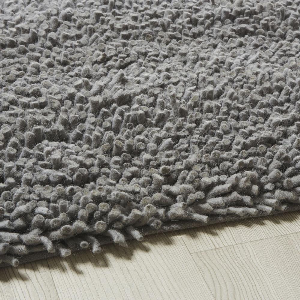 teppich aus wolle und baumwolle in grau mit shaggy effekt. Black Bedroom Furniture Sets. Home Design Ideas