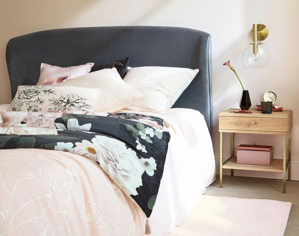 t te de lit 160 en velours gris tara maisons du monde. Black Bedroom Furniture Sets. Home Design Ideas