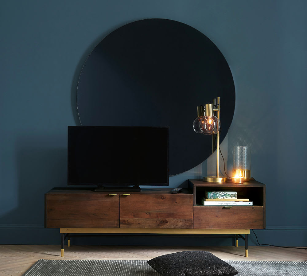 tv m bel im vintage stil mit 2 t ren aus akazienholz. Black Bedroom Furniture Sets. Home Design Ideas