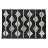 ADEM - 180x270cm reversible outdoor rug in black and ecru polypropylene with triangle print
