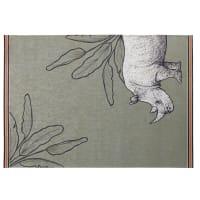 Alfombra de exterior verde con estampado de rinocerontes y con motivos vegetales 140x200 Sundara