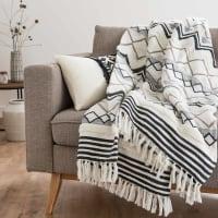 TARMA - Manta de algodón color crudo con motivos decorativos 180x240