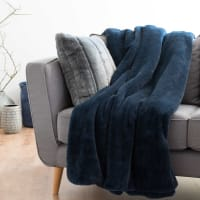 CORTINA - Plaid van indigoblauw nepbont 150x180