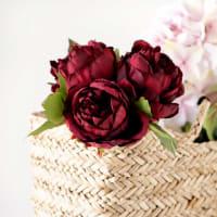 Rosas rojas artificiales