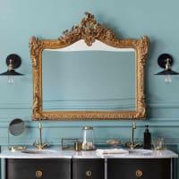 Specchio con modanature dorate, 114x100 Conservatoire