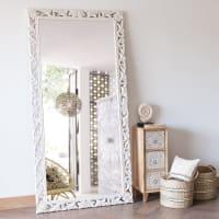 LOMBOK - Spiegel mit geschnitztem weißem Mangoholzrahmen 90x180