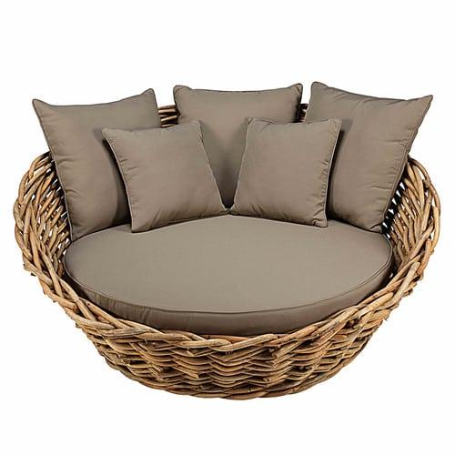 Canapé rond de jardin en rotin et coussins taupe