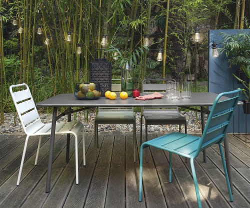 Chaise de jardin en métal vert kaki | Maisons du Monde
