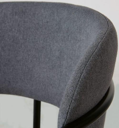 Chaise gris anthracite et métal noir mat | Maisons du Monde