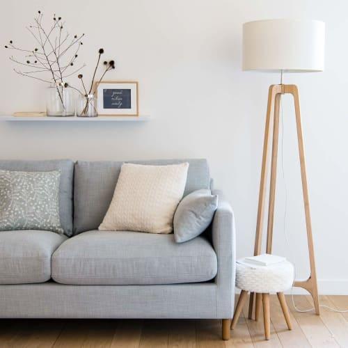 Dreifuß Stehlampe aus Eichenholz mit weißem Lampenschirm H145 | Maisons du Monde