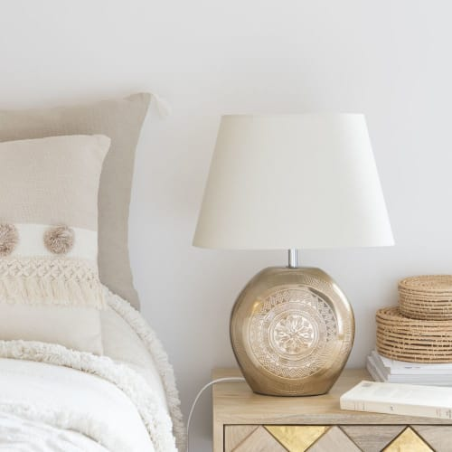 Lampada in ceramica dorata opaca con paralume bianco | Maisons du Monde