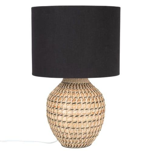 Lampe aus Bambus mit schwarzem Lampenschirm