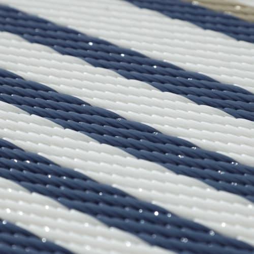 gestreifte teppich setzt