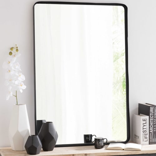 Spiegel Zwarte Lijst.Spiegel Met Metalen Zwarte Lijst 75x110 Maisons Du Monde