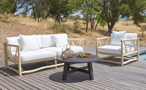 Table basse de jardin ronde en acacia massif noir