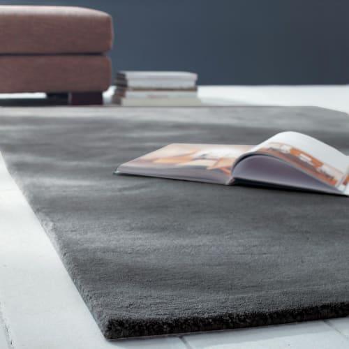 Woollen Low Pile Rug In Charcoal Grey