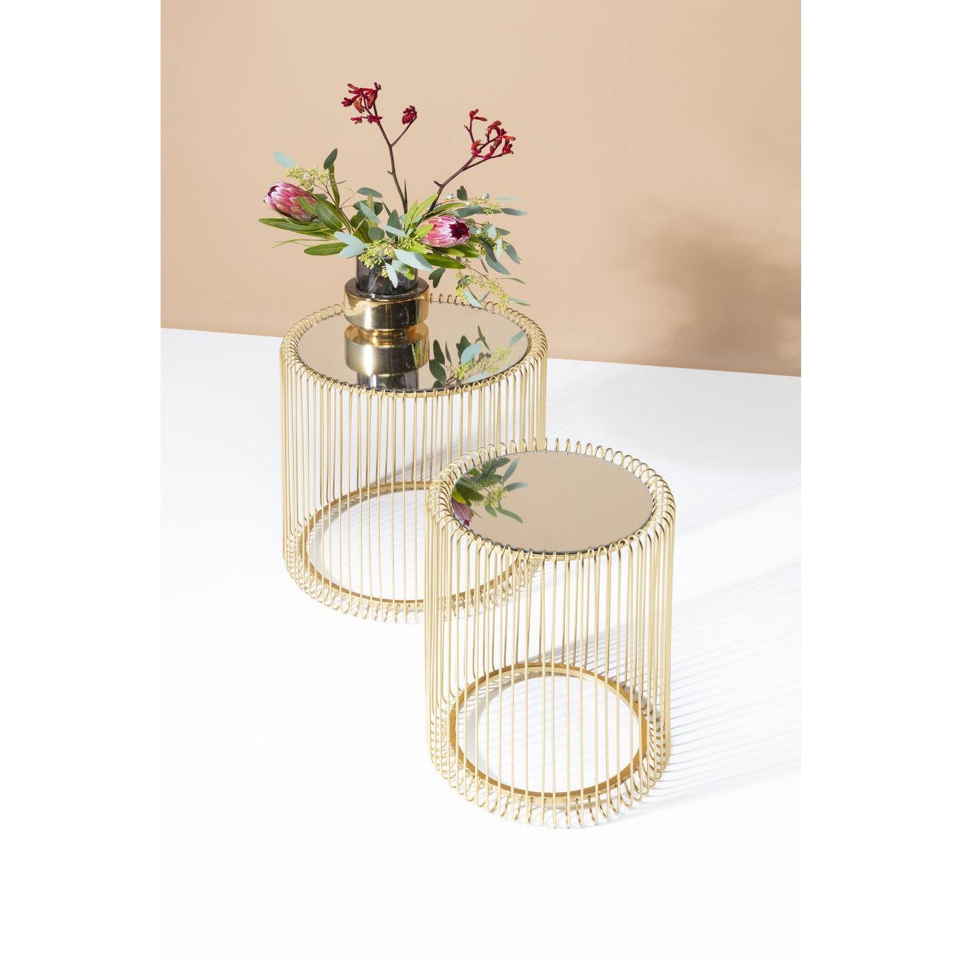 2 tables d'appoint rondes en acier doré et verre miroir