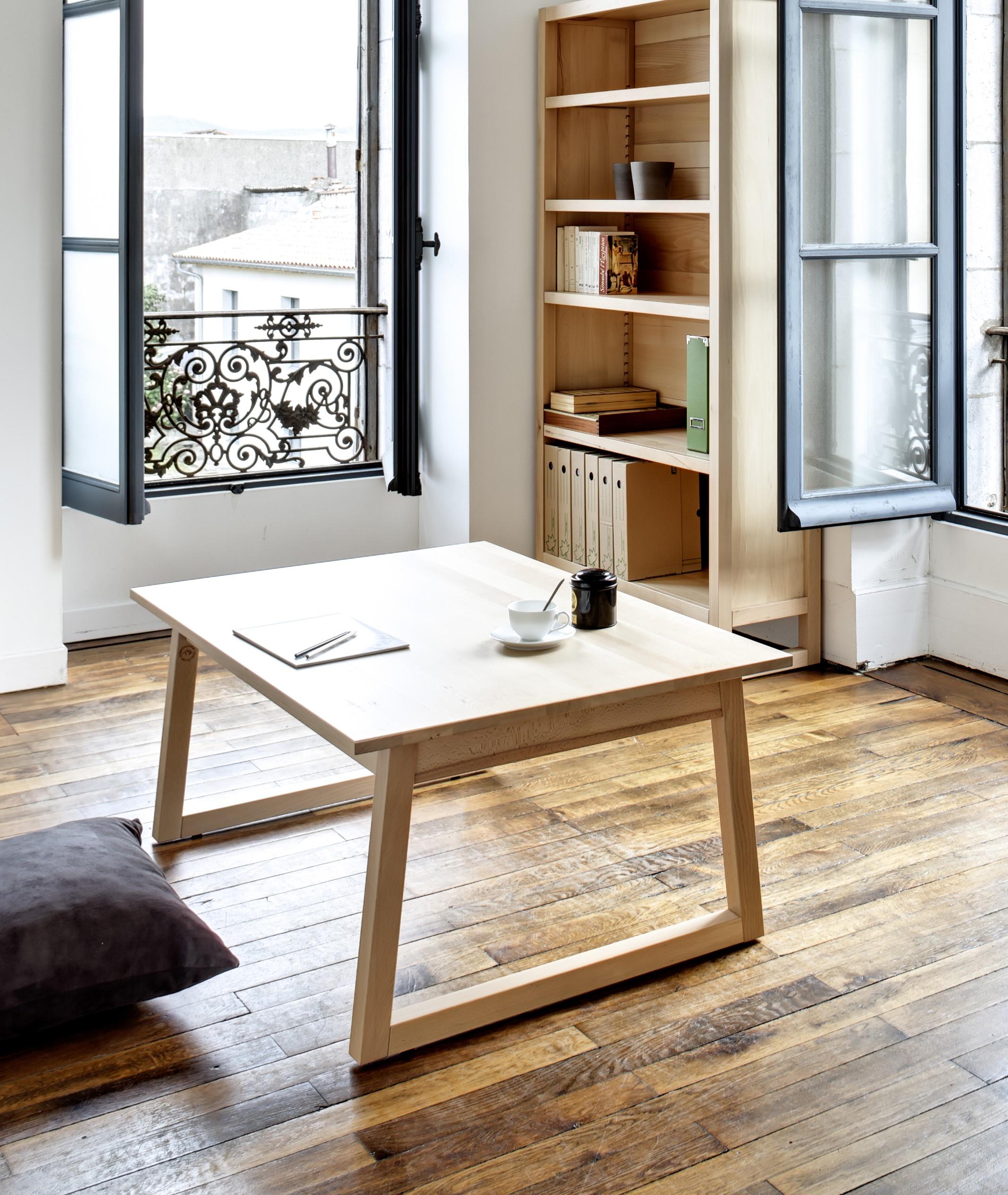 Grande table basse en hêtre avec pieds traineaux, brut