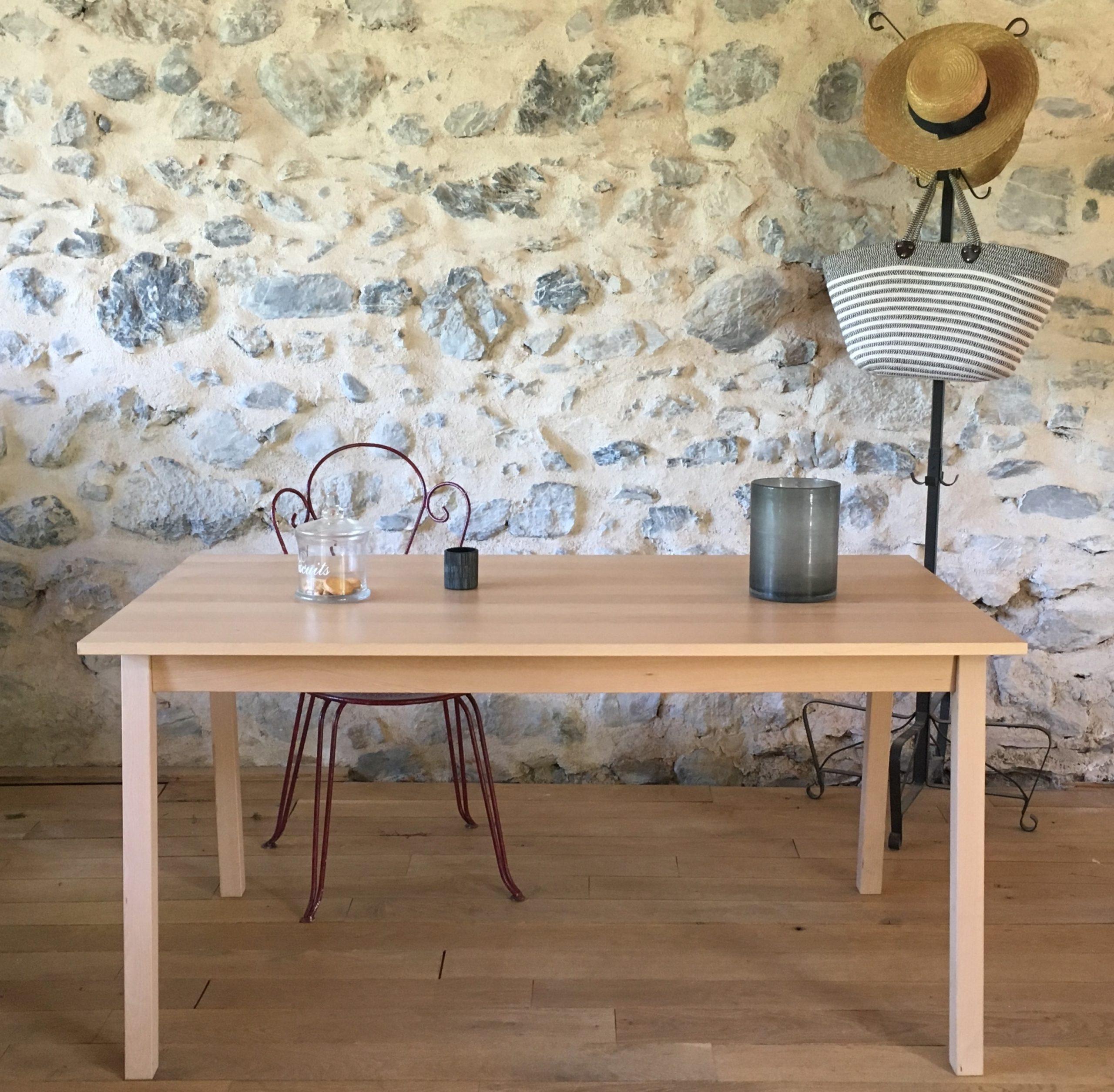 Table en bois massif de hêtre des Pyrénées,  plateau 150x80 cm