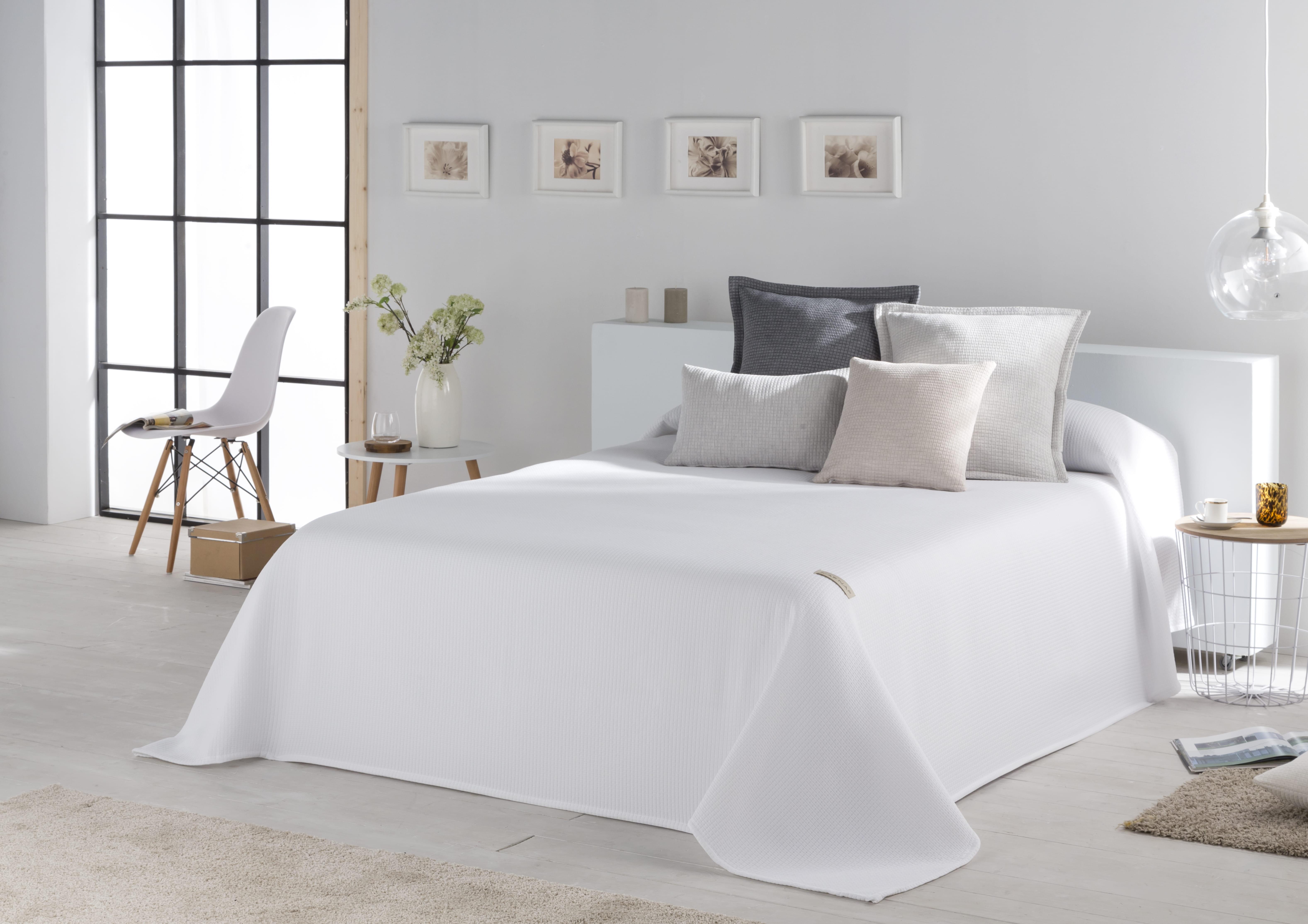 Couvre lit en coton blanc 230x270
