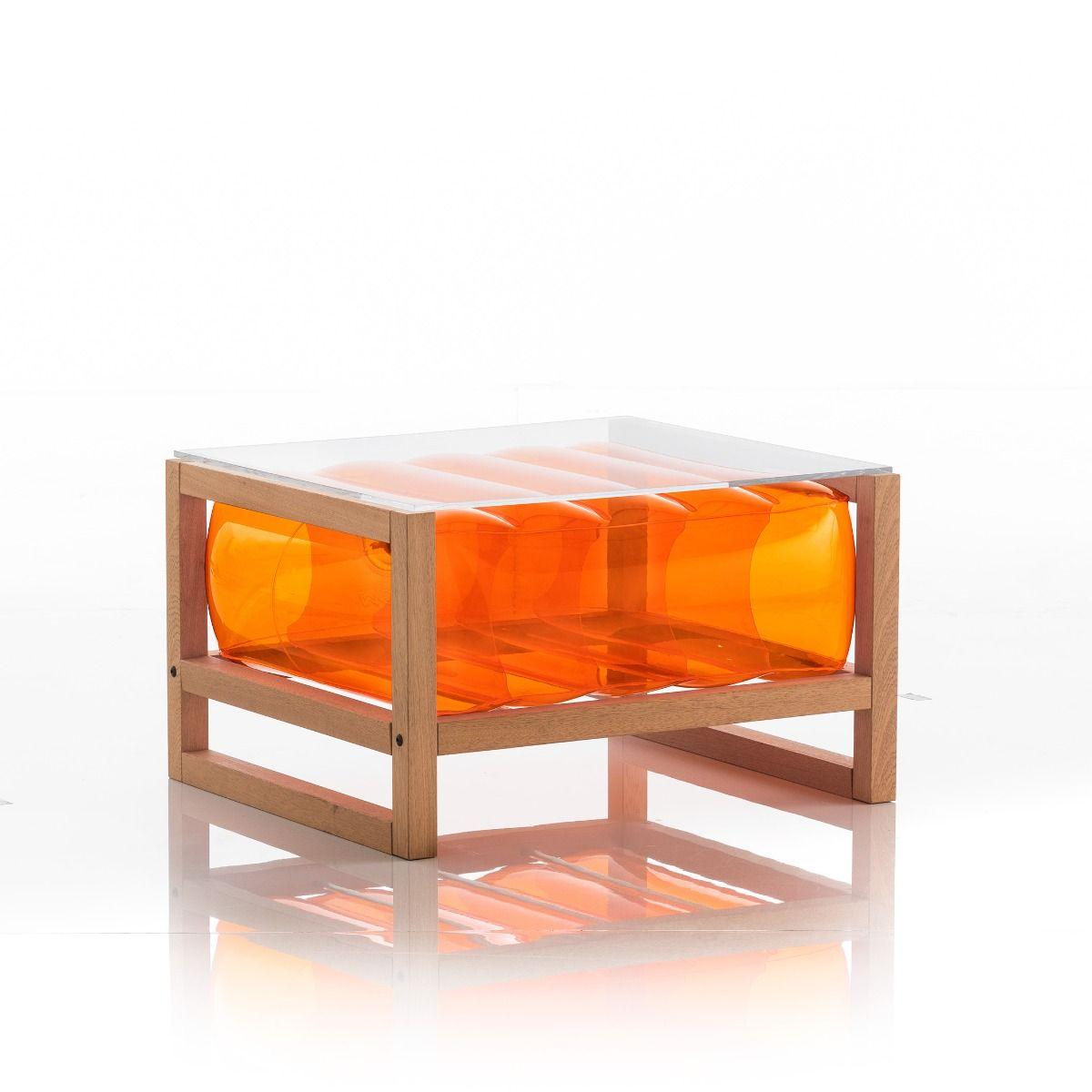 Table basse pvc orange cadre en bois