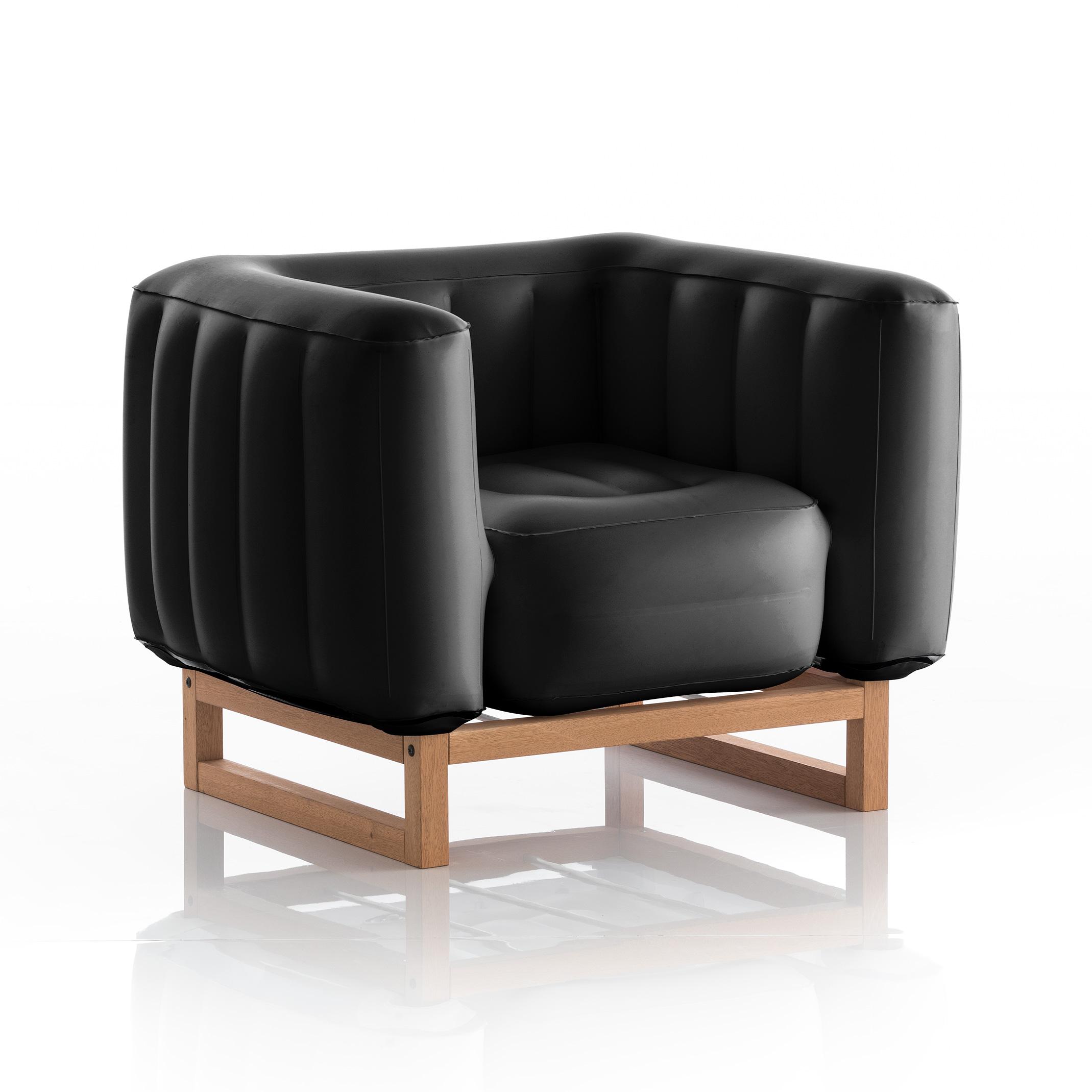 Fauteuil pvc noir opaque cadre en bois