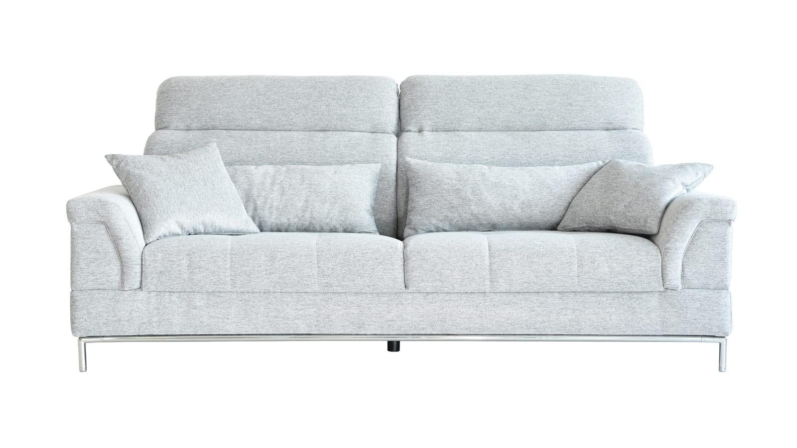 Canapé 3 places avec têtière en tissu gris clair