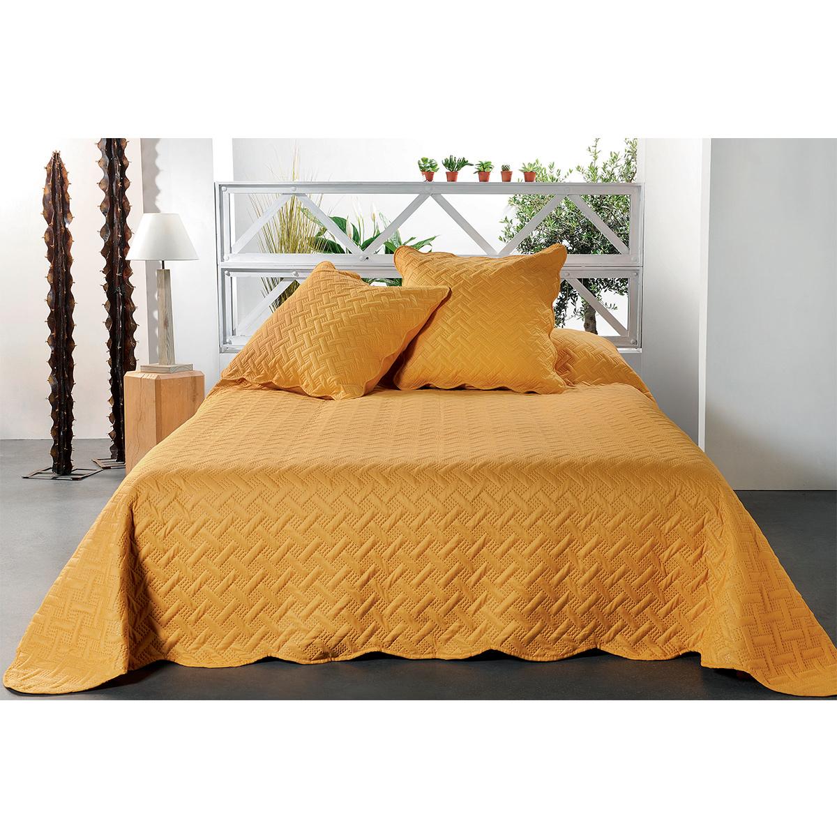 Jeté de lit aux formes géométriques surpiquées polyester jaune 240x180