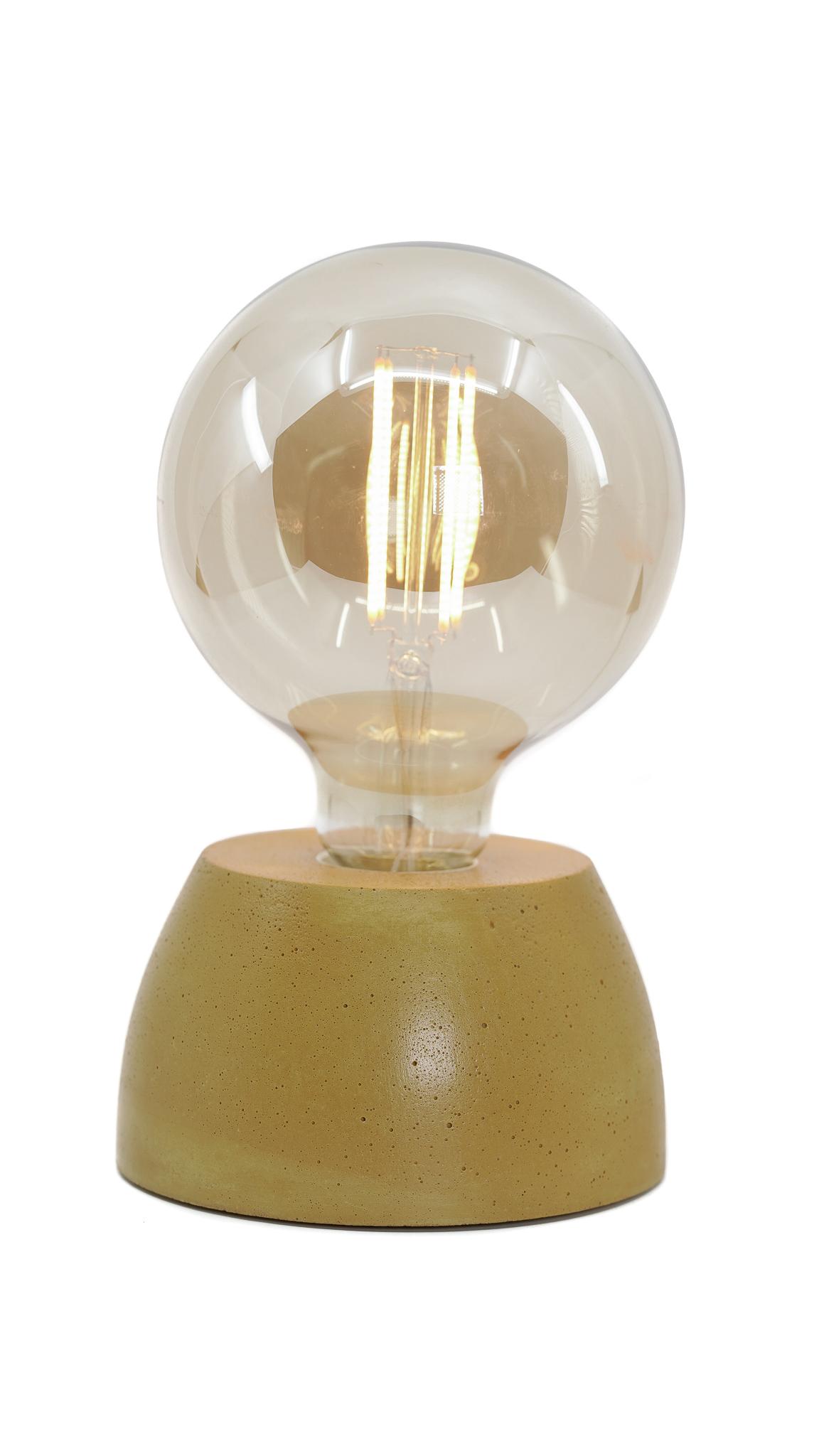 Lampe dôme en béton jaune moutarde fabrication artisanale