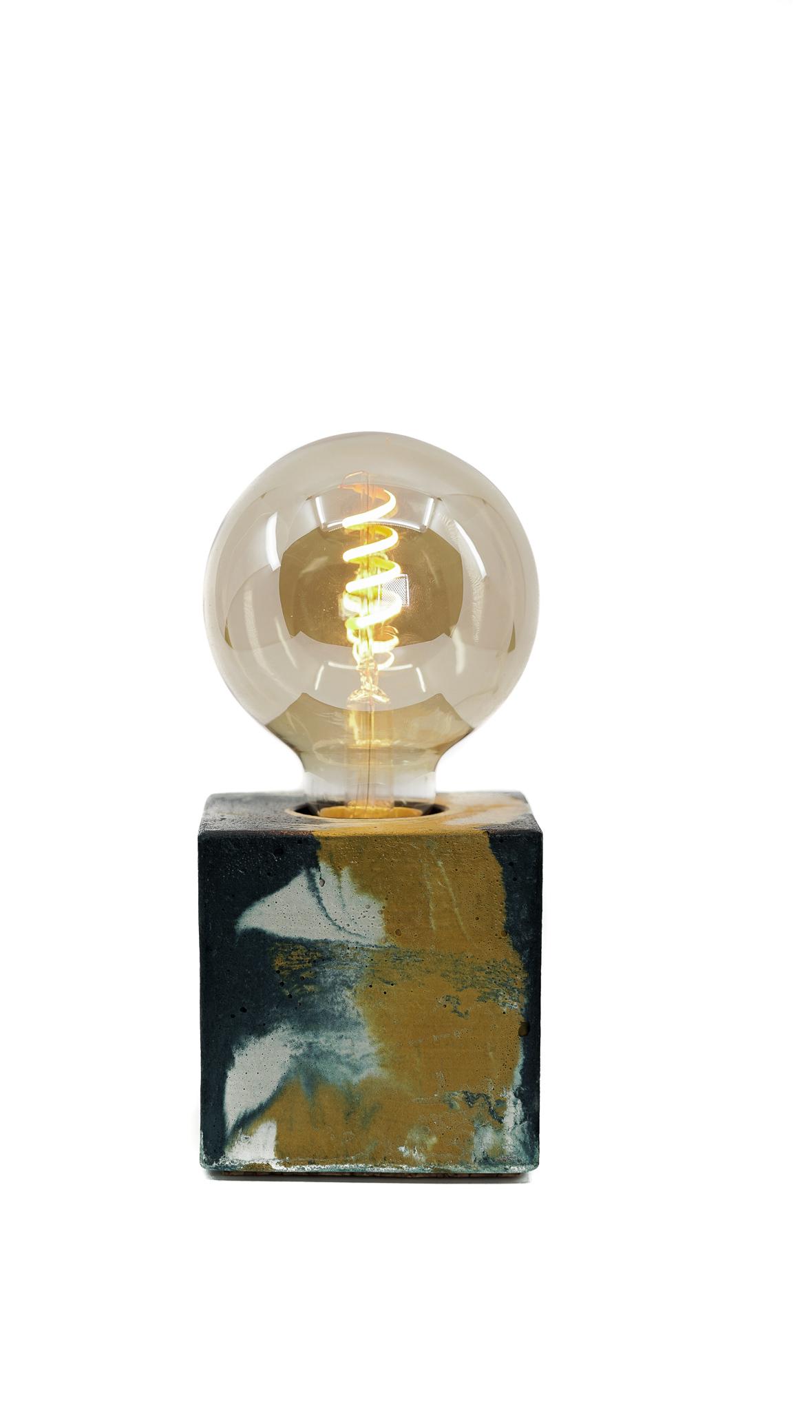 Lampe cube marbré en béton jaune & bleu